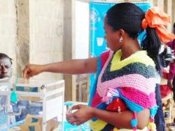 NORTH-WEST : Population Cast Votes in Relative Calm